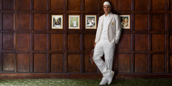 Federer in his usual outfit - a white victory suit